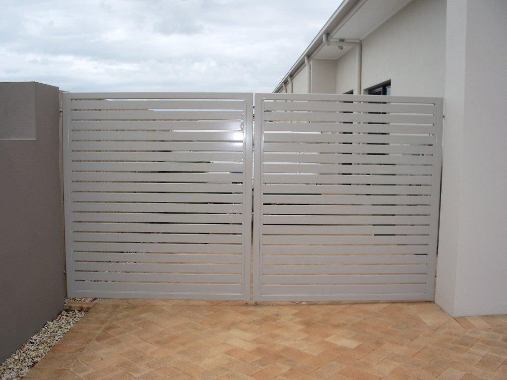 Custom aluminium palings