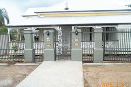White custom gates