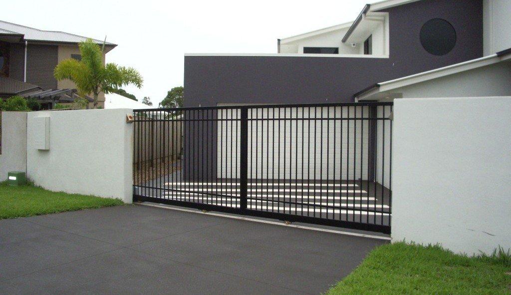 Bi-parting gates