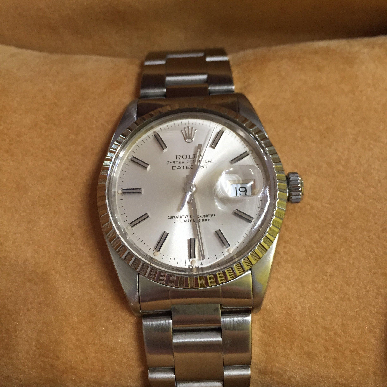 Un'orologio lussuoso in vendita a Rimini