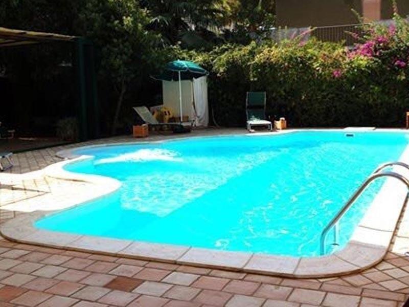 Pavimento in cotto terrazzo piscina