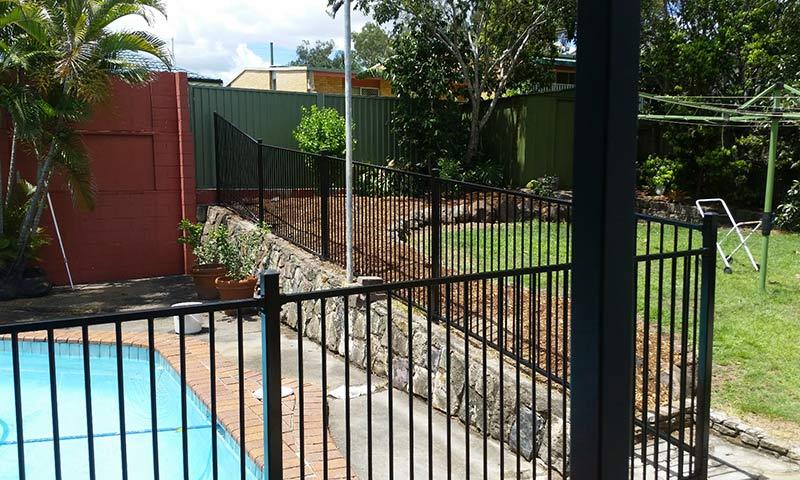pool fence in aluminium