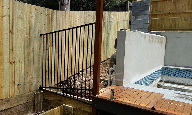 aluminium and glass fencing