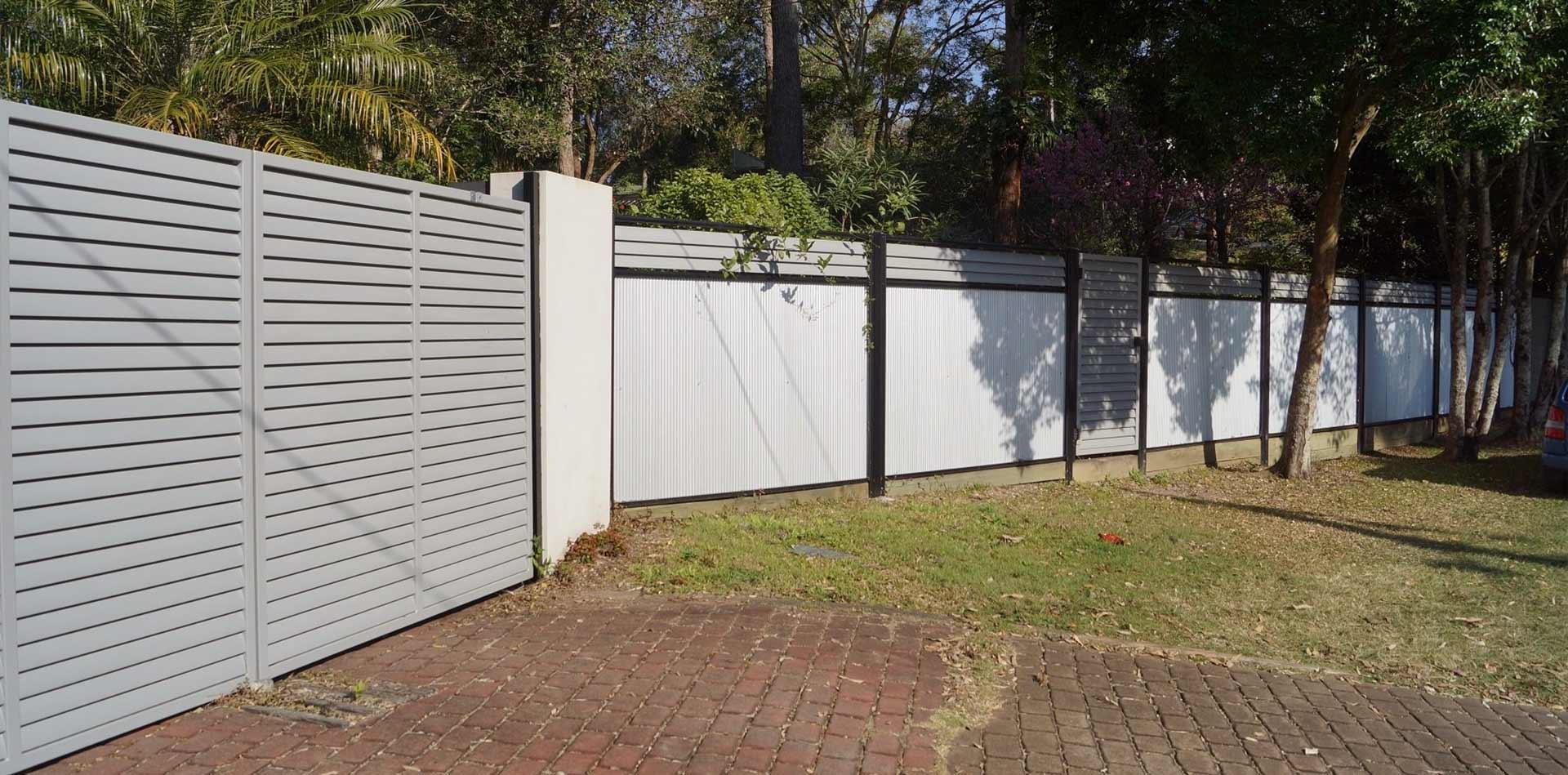 Fences brisbane for Pool fence design qld