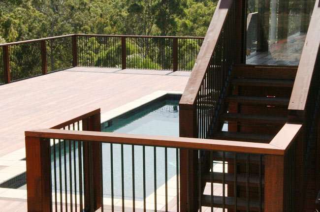 balustrades around pool