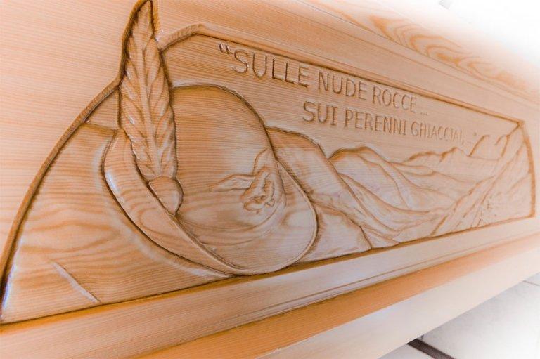 bare legno con decoro personalizzato