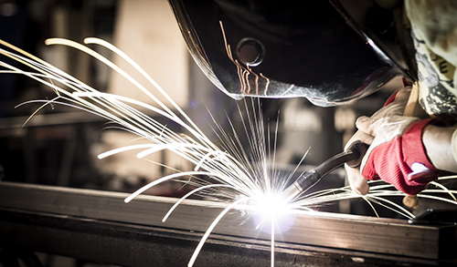 Experienced workers doing CNC machining in La Crosse, WI