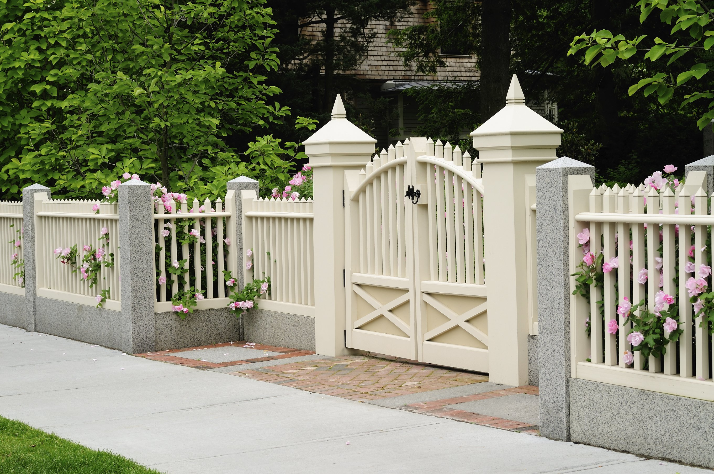 Ornamental Aluminum Fencing Gainesville, FL