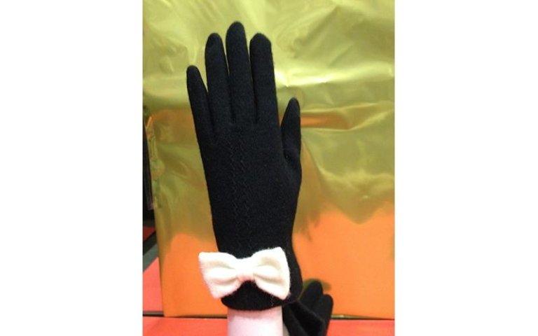 guanti con fiocco