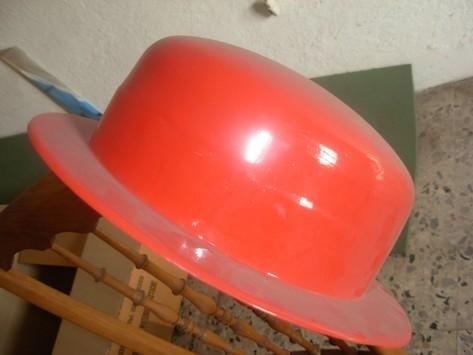 Cappellini in plastica