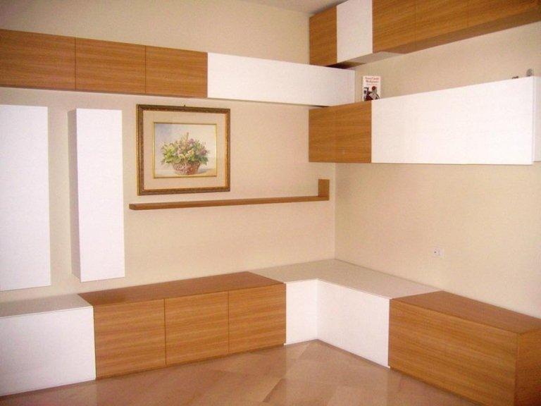 soggiorno in legno su misura