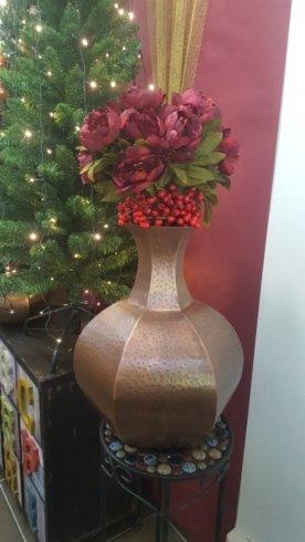 fiori artificiali e decori natalizi