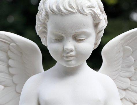 Disbrigo pratiche, angioletto, statue