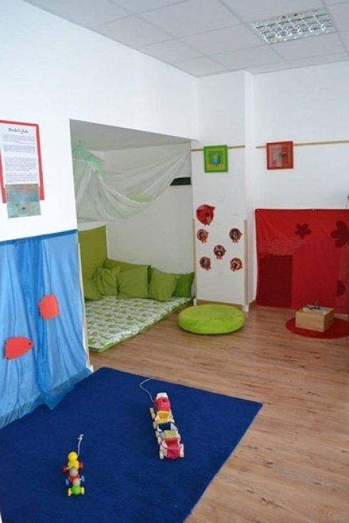 Sala della Macchia Rossa (12-24 mesi).