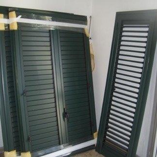 Persiane in alluminio colore verde