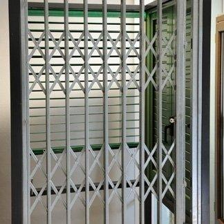 inferriate, finestre in alluminio, finestre in ferro, infissi, pisa