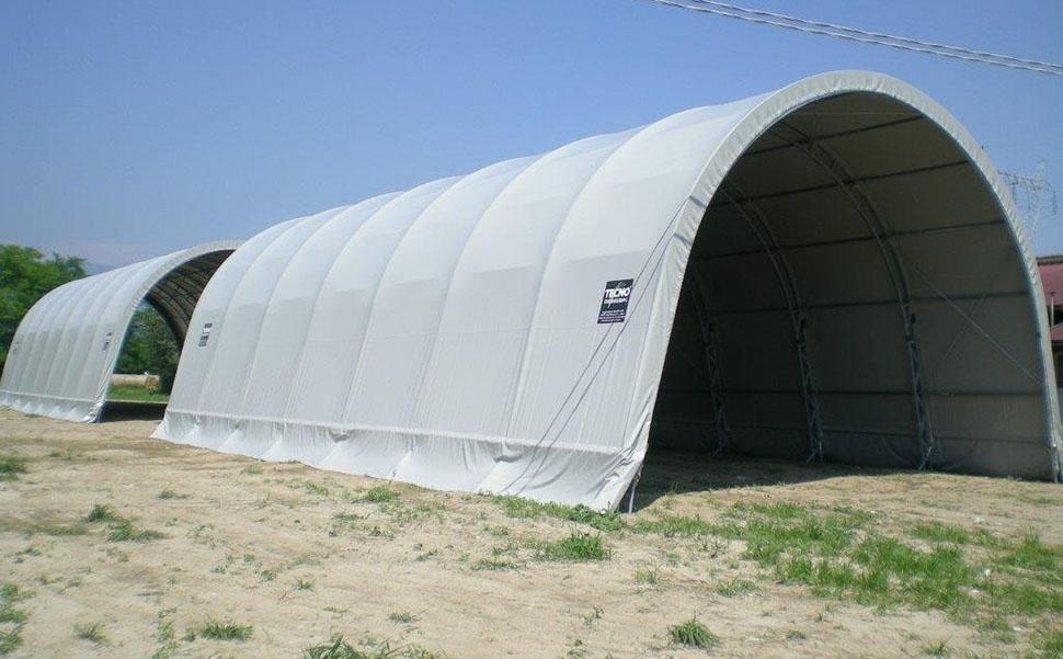 Rundbogenhalle mit Fachwerkträgersystem