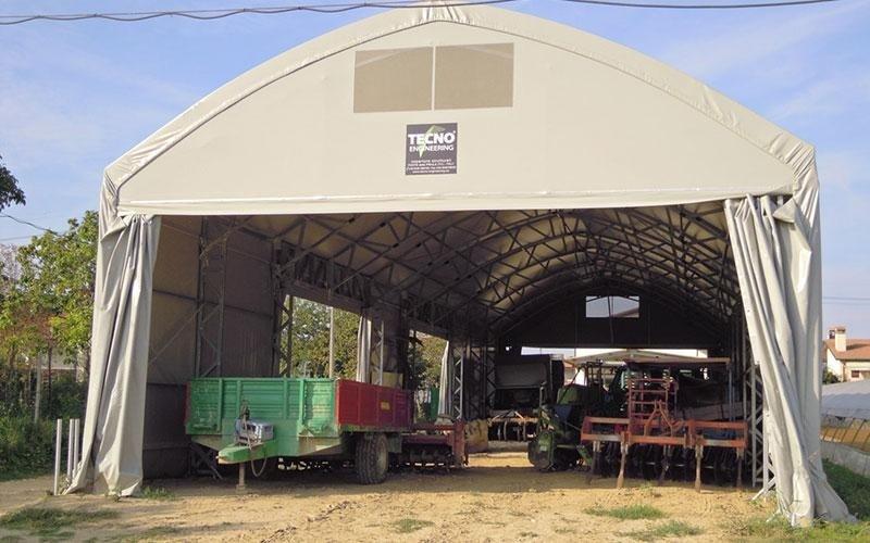 Agricultural vehicles shelter