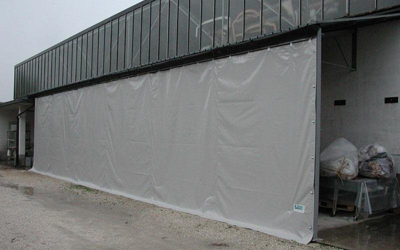 Curtain wall for sheds