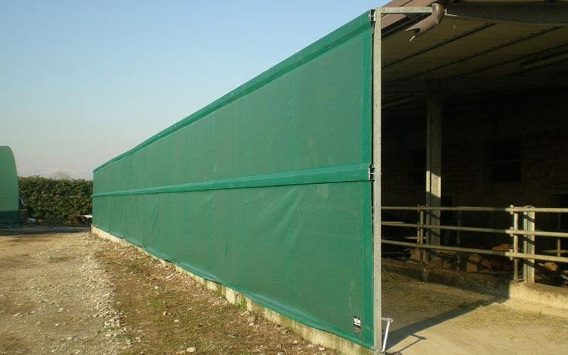 Wall for agricultural tunnel