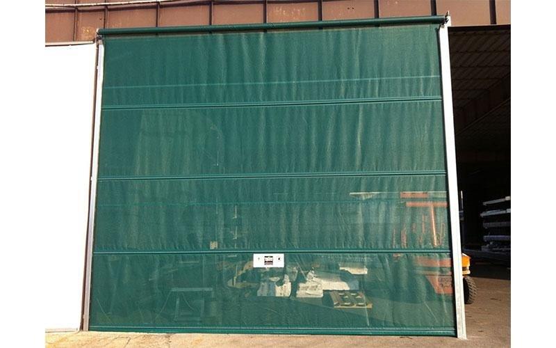Sliding door for hangar