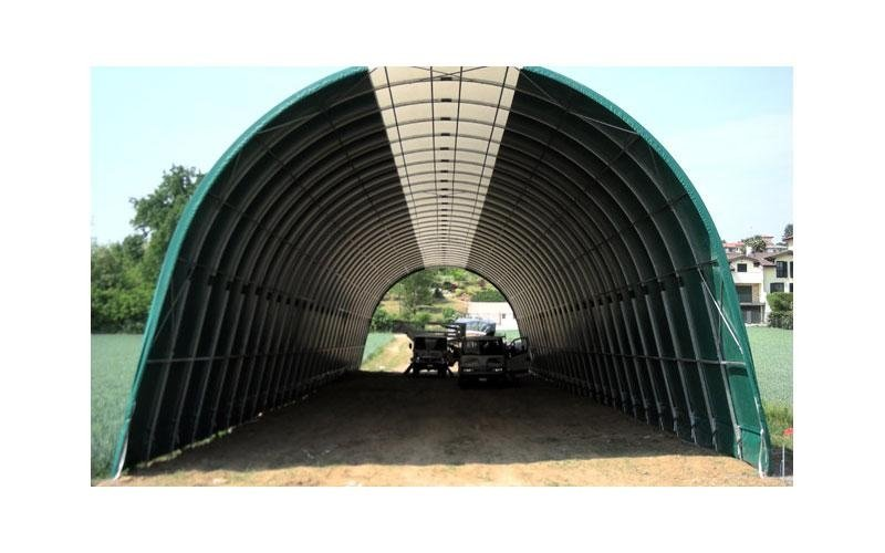 Agricultural vehicle tunnel
