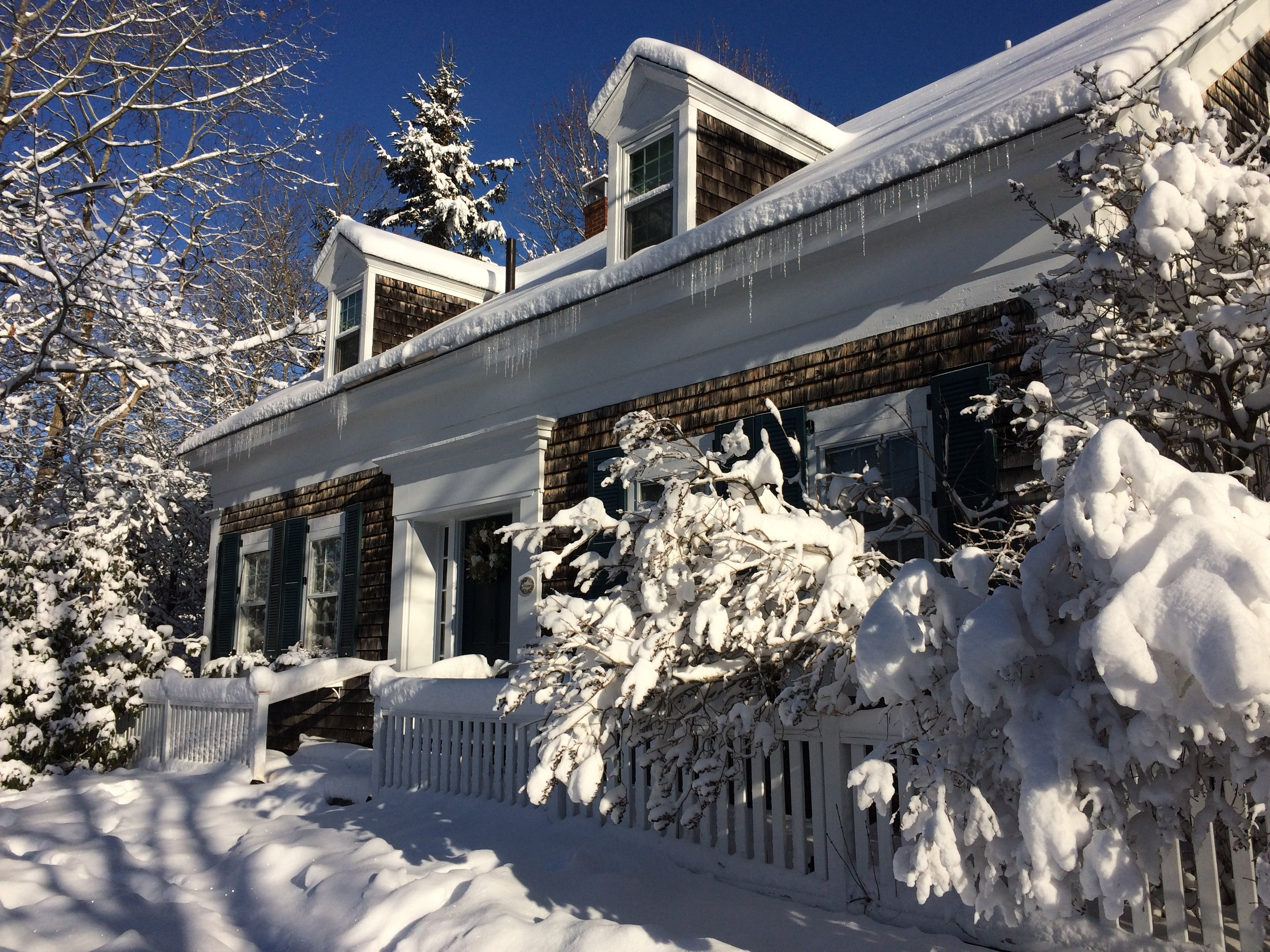 Breakfast at Coach Stop Inn – winter scene with snow