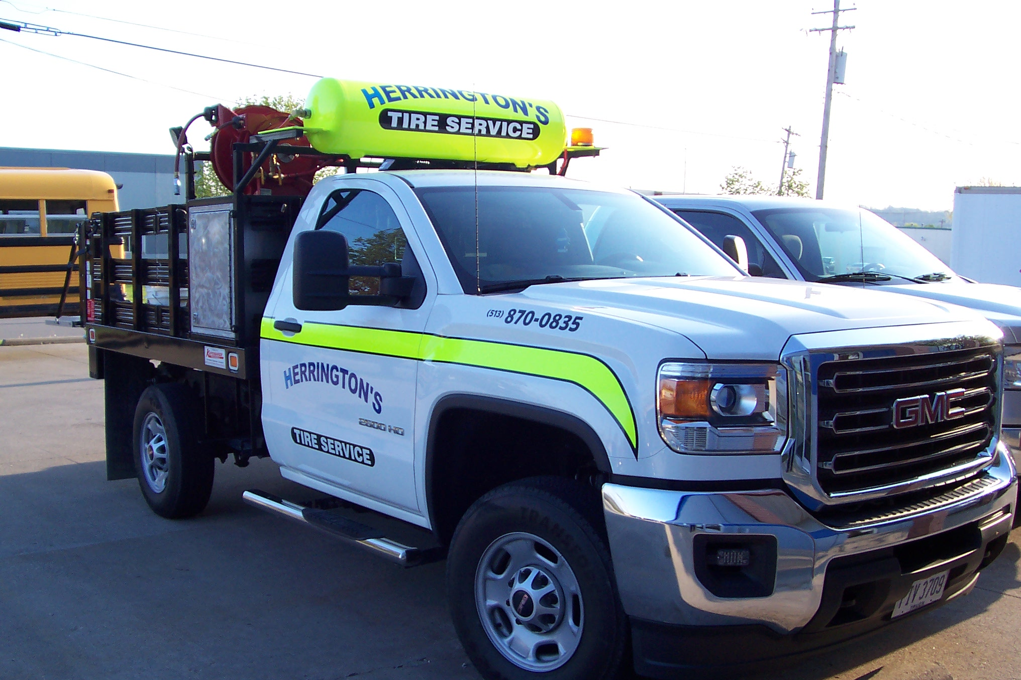 Providing the Greater Cincinnati area with Truck Tires and Mechanical Services!
