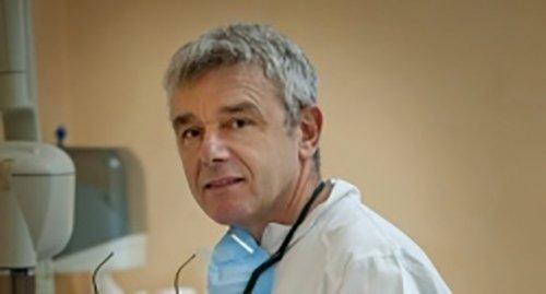 dottore specializzato in paradontologia