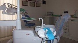 estrazione denti, implantologia, protesi dentarie