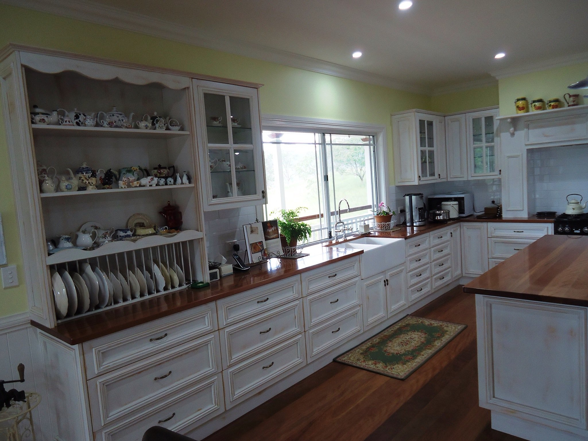 Cabinet makers sunshine coast qld kitchen cabinets for Cabinet makers