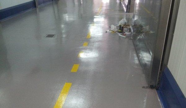 pavimentazione in resina lisce
