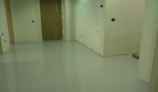 lucidatura pavimento in resina