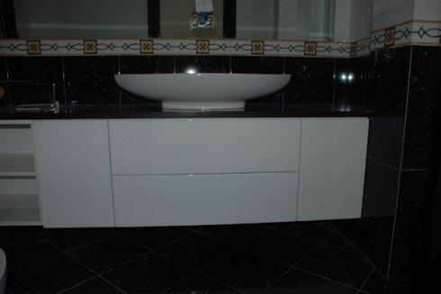 mobiletti per bagno di qualsiasi misura e forma