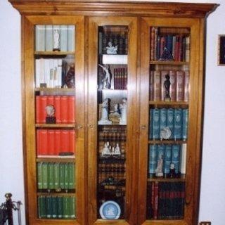 libreria con ante, libreria con vetri, libreria in legno