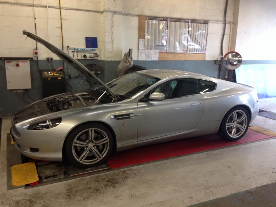 silver colour luxury car