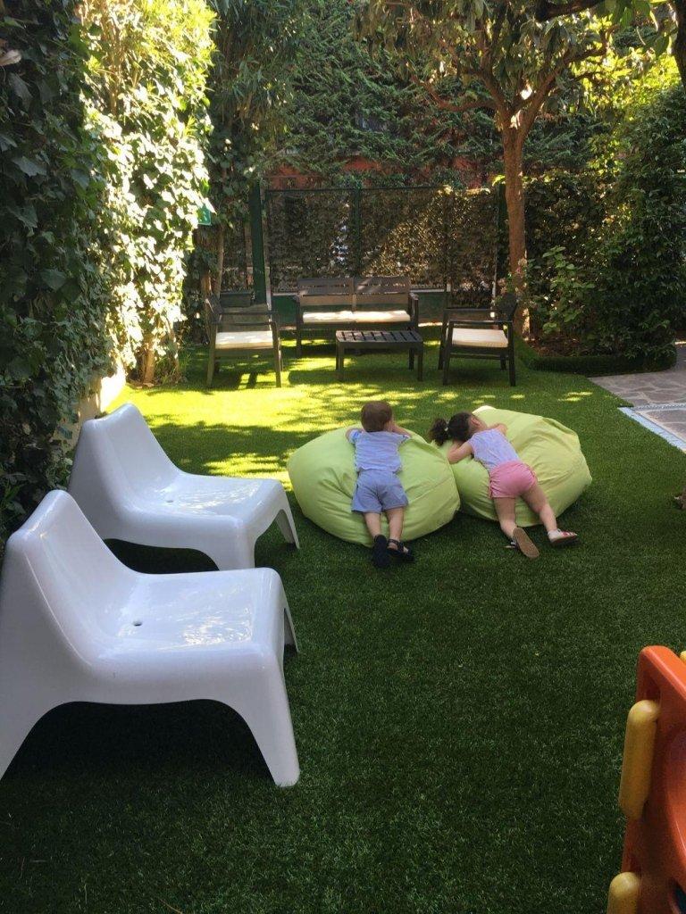 cuscini in giardino