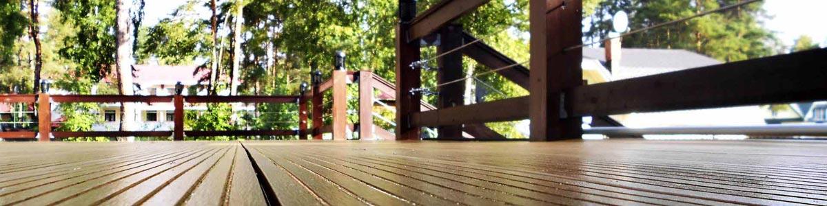 timber-deck-house