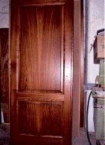 Realizzazione di porte in legno su misura a Chianciano Terme