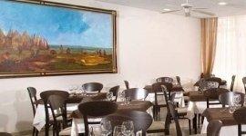 ristorante convenzionato, tavoli ristorante, arredamento moderno