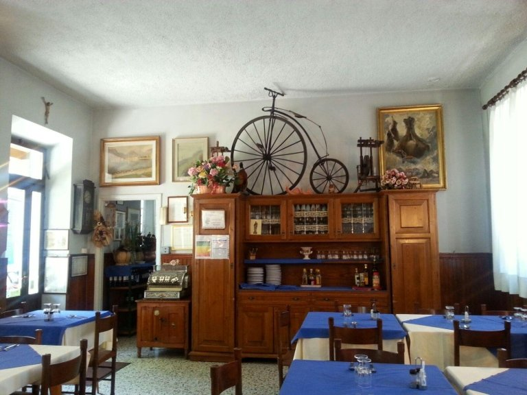 sala interna trattoria