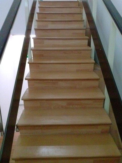 Puzlia scale in legno