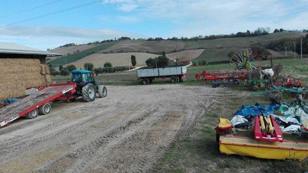 macchine agricole nel campo