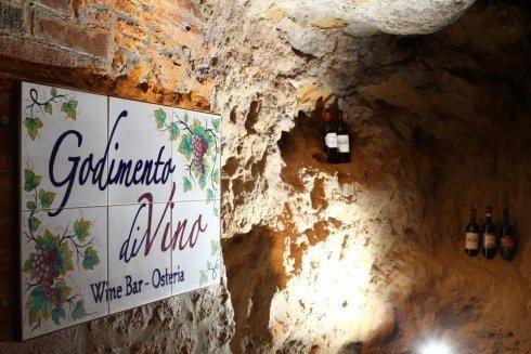 wine bar osteria Montepulciano