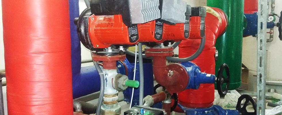 impianto con valvole e tubature