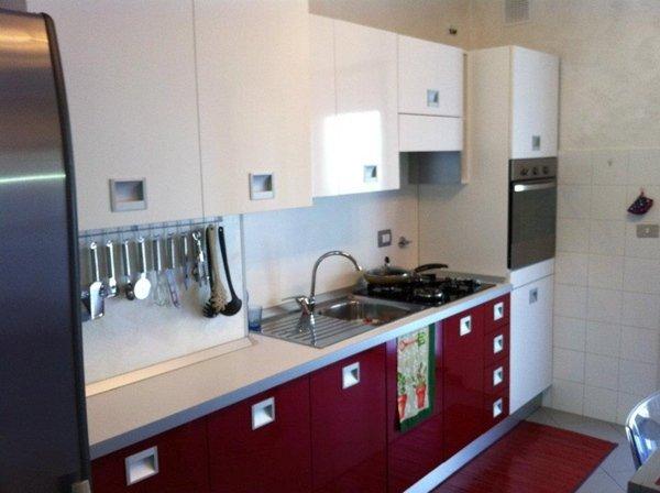 cucina laccata bicolore