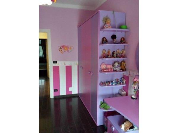 armadio da cameretta lilla e fucsia
