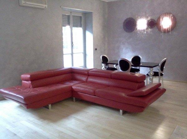 composizione soggiorno divano tavolo