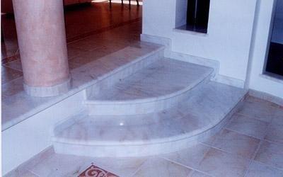 gradini in marmo