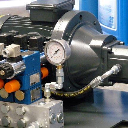 hydraulic  servicing